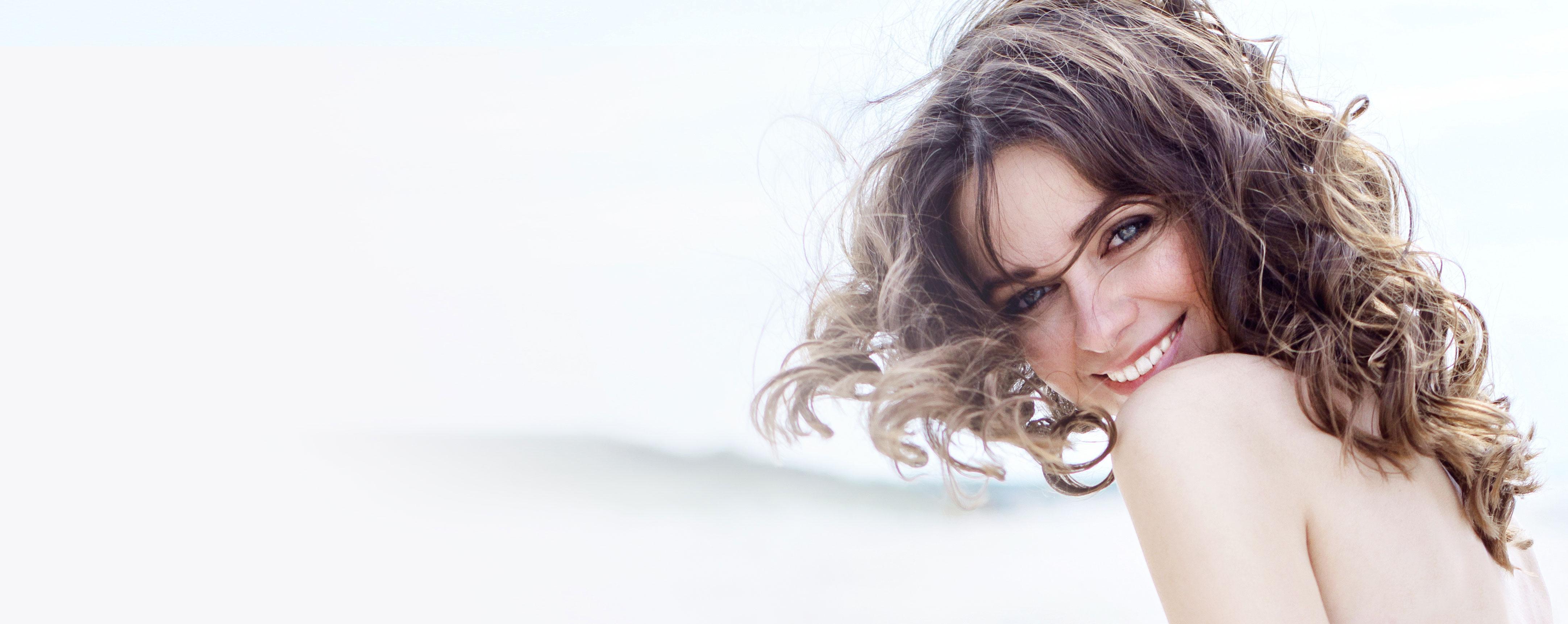 Körperpflege mit glättenden Schönheitsmineralien aus dem Toten Meer